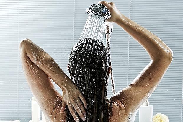 Картинки по запросу Вечером, принимая душ